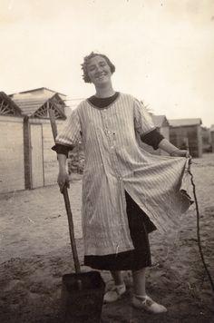 En la playa del Grao de Castelló de la Plana. años 20.