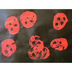 Ladybird potato printing!  http://maestromummy.co.uk/2015/11/15/ladybird-ladybird/