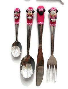 Items similar to Personalised Minnie Cutlery Set (Spoon, Fork, Knife, Tea-spoon) Flatware Set on Etsy Clay Pen, Fimo Clay, Polymer Clay Projects, Polymer Clay Disney, Ceramic Painting, Painted Ceramics, Gabel, Pasta Flexible, Air Dry Clay
