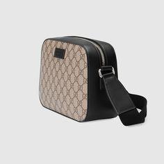 Gucci GG Supreme shoulder bag Detail 2