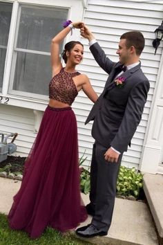 Gorgeous Burgundy Two Piece Prom Dress,Beaded Prom Dresses, Tulle Party Dress,Formal Dress,Women Dress For Prom,2 Piece Evening Dress,Charming Evening Gonws,Hot Style Dress
