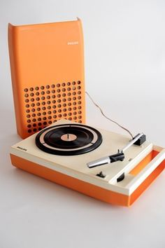 1970s MINT VINTAGE ORANGE PHILIPS 113 PORTABLE DESIGN RECORD PLAYER TURNTABLE $593