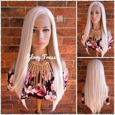 The ombre hair trend has been seducing for some seasons now. More discreet than tie and dye, less classic than sweeping, this new technique of hair. White Ombre Hair, White Blonde, Ombre Hair Color, Senegalese Twist Braids, Braids Wig, Auburn, Blonde Wig, Blonde Ombre, Blonde Balayage