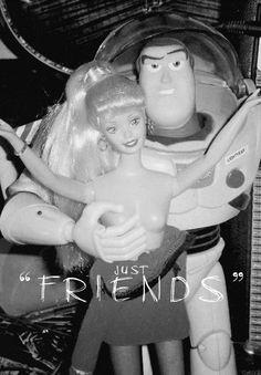 """""""Sólo somos buenos amigos"""" friends with benefits barbie….whoa"""
