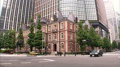 1894(明治27)年、開国間もない日本政府が招聘した英国人建築家ジョサイア・コンドルによって設計された、三菱が東京・丸の内に建設した初めての洋風事務所建築。しかしその後、老朽化のため1968(昭和43)年に解体されたが、コンドルの原設計に則って2010(平成22)年に、再建された。 「歴史資料室」 開館時間:10:00~18:00(土曜・日曜・祝日は19:00まで) 不定休
