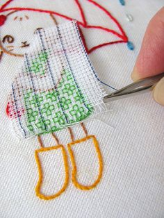 using waste canvas to embroider on fabric. removing waste canvas with tweezers Embroidery Applique, Cross Stitch Embroidery, Embroidery Patterns, Cross Stitch Patterns, Machine Embroidery, Sewing Crafts, Sewing Projects, Techniques Couture, Embroidery Techniques