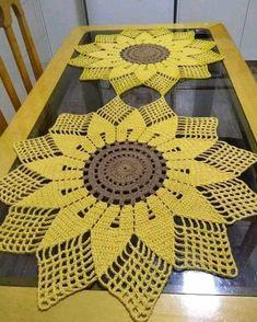 Filet Crochet, Crochet Motif, Crochet Doilies, Crochet Flowers, Crochet Stitches, Knit Crochet, Crochet Carpet, Crochet Home, Crochet Crafts