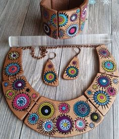 Eye-delicious statement necklace