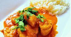 ... ein indisches Hühnerfleichgericht.   So cremig, tomatig, würzig, total lecker.   Probiert´s mal aus.          Ihr benötigt:    1  Zwi...