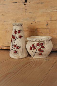 Seller 's goods Ceramics Pod liščí strání Fler Ceramic Painting, Ceramic Art, Ceramic Lantern, Mug Art, Rose Vase, Pottery Techniques, Wheel Thrown Pottery, Pottery Sculpture, Art Carved