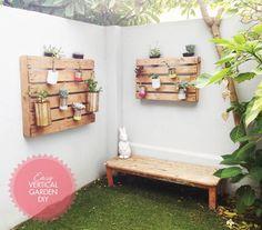 Palets de madera reciclados y pintados