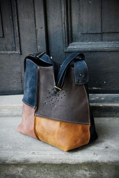 Leather shoulder hobo zippered bag - nice colors . Inside a big zippered pocket wit mobile pocket - you can order this bag in a different colours.