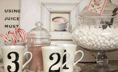 Houzz - Home Design, Decorating and Remodeling Ideas and Inspiration, Kitchen and Bathroom Design Noel Christmas, Christmas Morning, Christmas Projects, Christmas Ideas, Christmas Goodies, Christmas Design, Christmas Stuff, Christmas Parties, Modern Christmas