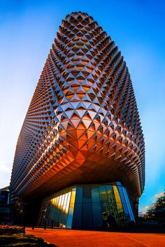SAHMRI: South Australian Health and Medical Research Institute at night - Architecture Diy Parametric Architecture, Futuristic Architecture, Beautiful Architecture, Contemporary Architecture, Art And Architecture, Architecture Details, Chinese Architecture, Unusual Buildings, Amazing Buildings