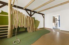 Klettern und Toben in den Baumkronen / Interior / Kita / Kindergarten / Spieleinbaute