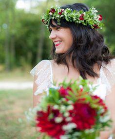 Coroa de flores para noivas a combinar com o bouquet. #casamento #noiva #coroadeflores