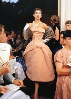 Dior+Glamour+Mark+Shaw021.jpg (1149×1600)