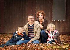 family of 4 posing idea