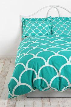 Stamped Scallop Sham - Set Of 2 - Urban Outfitters