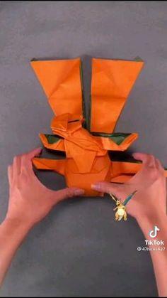 Paper Crafts Origami, Diy Origami, Diy Crafts Jewelry, Diy Crafts For Gifts, Easy Origami Dragon, Easy Pokemon Drawings, 25 Anniversary, Origami Diagrams, Pokemon Craft