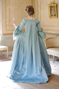 Robe a la francaise (an elaborate watteau gown) 18th Century Dress, 18th Century Costume, 18th Century Clothing, 18th Century Fashion, Vintage Outfits, Vintage Dresses, Vintage Fashion, Girls Blue Dress, Blue Dresses