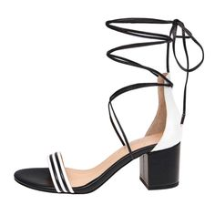 Shopping: Trend to Try: Black and White Accessories for Spring