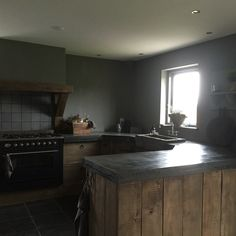 Onze stoere keuken Rustic Kitchen, New Kitchen, Kitchen Dining, Kitchen Decor, Kitchen Ideas, Cabin Kitchens, Cool Kitchens, Dining Area Design, Ceiling Storage