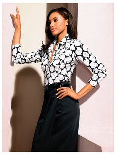 chemisier jupe crayon taille haute un look de femme fatale au bureau tenues pour femmes d. Black Bedroom Furniture Sets. Home Design Ideas