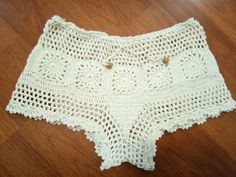 Discover thousands of images about By kook Crochet Bikini Top, Crochet Shorts, Crochet Clothes, Lace Shorts, Knit Crochet, Short Tejidos, Crochet Bathing Suits, Crochet Squares, Crochet Projects