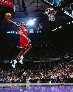 "SLAM's Instagram photo: ""Memory's museum. #FBF @slamrewind"" Lebron James Miami Heat, Lebron James Lakers, Nba Kings, Ufc Events, Mlb Games, Basket Ball, Kevin Durant, Los Angeles Lakers, Cavalier"