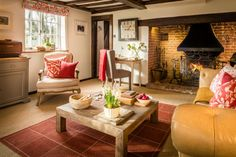 Beautiful luxury self-catering home in Lewes East Sussex with stunning interiors; Hummingbird House