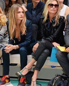 #London Fashion Week gecesine @caradelevingne #Burberry sneakerslarıyla katıldı! www.askmoda.com #askmoda #alisverisbirask #fw15