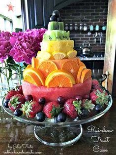 Fruit Cake Watermelon, Fresh Fruit Cake, Rainbow Fruit, Cake Made Of Fruit, Rainbow Colors, Strawberry Cake Recipes, Fruit Recipes, Fruits Decoration, Fruit Birthday Cake
