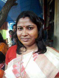 Aunty In Saree, Beautiful Women Over 40, Sari, Fashion, Saree, Moda, Fashion Styles, Fashion Illustrations, Saris