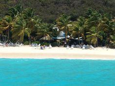 Sailboat charter catamaran in the Virgin islands