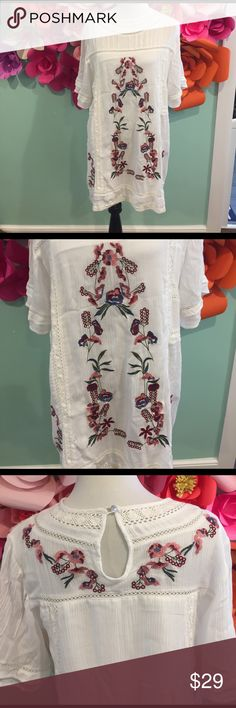 Flower Tunic Flower Tunic from online boutique. Worn once, great condition. Size Large. Tops Tunics
