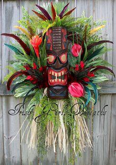 Check out our favorite styles of tropical wreaths, beach wreaths and seashell wreaths. Décor Tiki, Tiki Hut, Tiki Bars, Tiki Lounge, Bar Lounge, Hawaian Party, Hawaiian Luau Party, Hawaiian Decor, Polynesian Islands