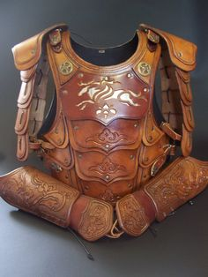 Leather designer - Armor by Koszta Armour by Zoltan Kosta, Kisvárda, Hungary Larp Armor, Cosplay Armor, Knight Armor, Medieval Armor, Medieval Fantasy, Viking Armor, Armadura Medieval, Couture Cuir, Costume Armour