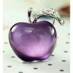 Purple Glass Apple ~ Perfume Bottle ღ✟ Purple Rain, Purple Love, All Things Purple, Purple Lilac, Purple Glass, Shades Of Purple, Purple Stuff, Glas Art, Malva