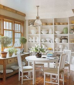 This kitchen combines an old Danish table and chairs with the extensive collections in the bookshelves. Cozy Kitchen, Kitchen Decor, Kitchen Ideas, Urban Kitchen, Country Kitchen, Cottage Kitchens, Farmhouse Kitchens, Small Kitchens, Dream Kitchens