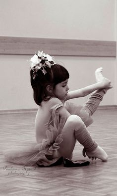 I did ballet when I was young and I deeply regret quitting. If I ever have a little girl, she WILL be in ballet!!!