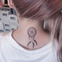 back tattoo, girl with white shirt, rose gold hair, dream catcher tattoo Atrapasueños Tattoo, Chic Tattoo, Back Tattoo, Leg Tattoos, Dainty Tattoos, Elegant Tattoos, Beautiful Tattoos, Small Tattoos, Simple Dream Catcher Tattoo