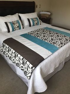 23 Colorful Bedroom To Rock This Year interiors homedecor interiordesign homedecortips Bedroom Colors, Bedroom Decor, Designer Bed Sheets, Bed Scarf, Bed Runner, Quilt Bedding, Easy Quilts, Bed Covers, Soft Furnishings