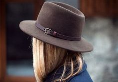 SIMPLY STYLE :: structured felt fedora hat.