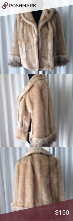 """Vintage 50's Glenoit  faux fur cape one size Vintage 50's Glenoit faux fur cape beige tones one size good conditions  Length 23"""" Glenoit Jackets & Coats Capes"""