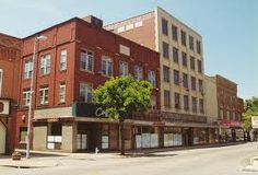 This magnificent department store was Ashtabula's version of Rich's or Marshall Fields or L.S. Ayres.  The Carlisle-Allen Store on main street was the place to shop.  It's been abandoned for 20 years, a quiet, stoic monument to past civic glory.