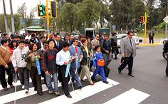 Alcaldesa Susana Villarán entregó semáforos sonoros para personas invidentes