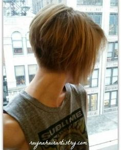 Graduated bob with highlights to emphasise the cut. Easy to maintain and style. #graduated-bob #hairstyle