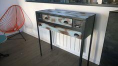 Console vintage de style industrielle et patinée en bois et métal réalisée sur-mesure pour des clients à proximité de Nantes