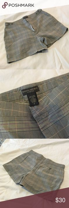 "Banana Republic plaid shorts. Size 8 Size 8 (fits like a 4 tho!) BR shorts. Barely worn, great condition. Thin fabric so great for summer. 3"" length Banana Republic Shorts"